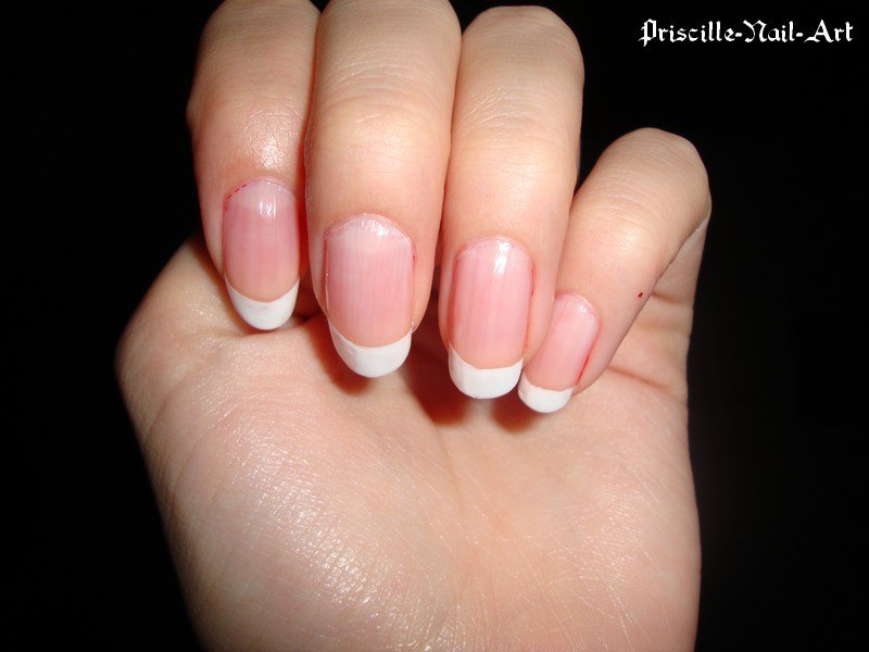 French Manucure aux ongles des mains  3162413440_2_4_Zw1sFcWA